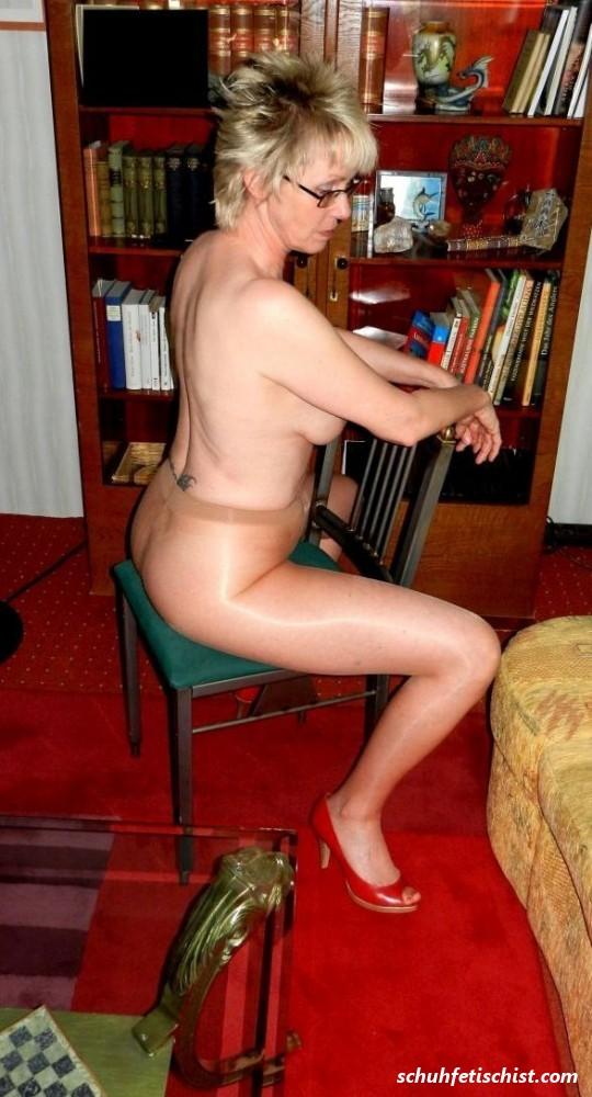 Nackt reife hausfrauen Reife Frauen